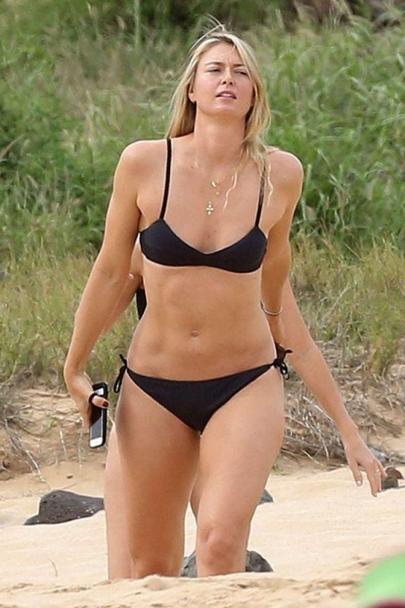 maria-sharapova-in-bikini-hawaii-01-03-2017-10633