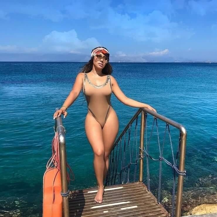 La-La-Anthony-hot-bikini-pic