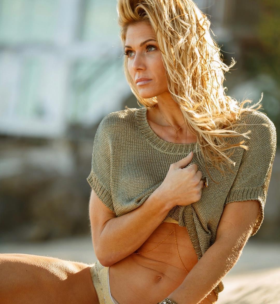 Torrie Wilson Provides a Valuable Coronavirus PSA in an Extremely Skimpy Bikini - Sports Gossip