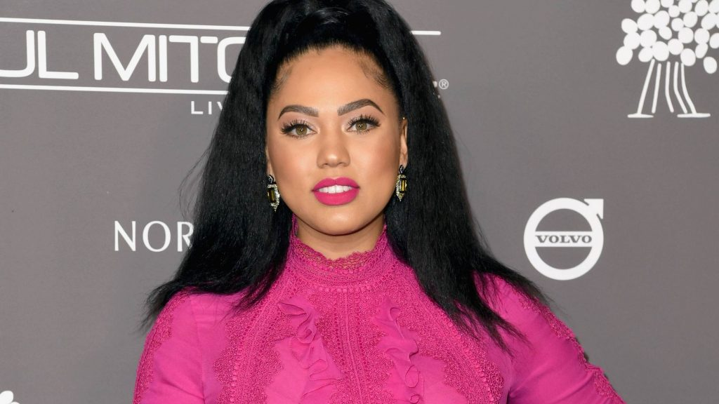 ayesha curry is not happy that no men slide into her dm u0026 39 s